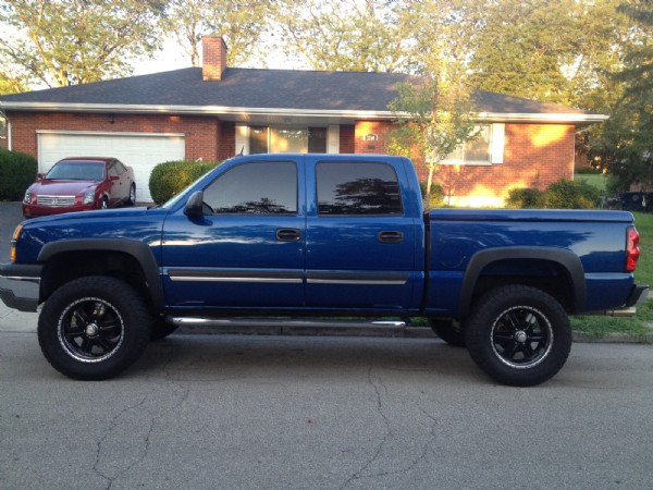 2004 Chevrolet lifted [Silverado] z71 crew cab