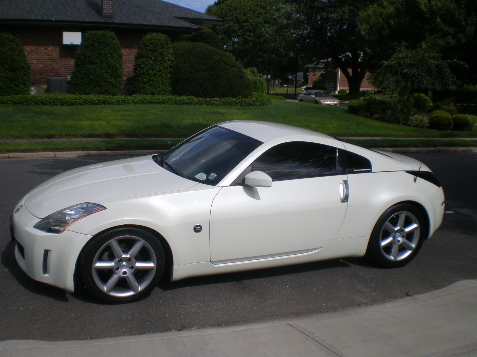 2005 Nissan 2005 350z White Mint Low Miles Clean Carfax