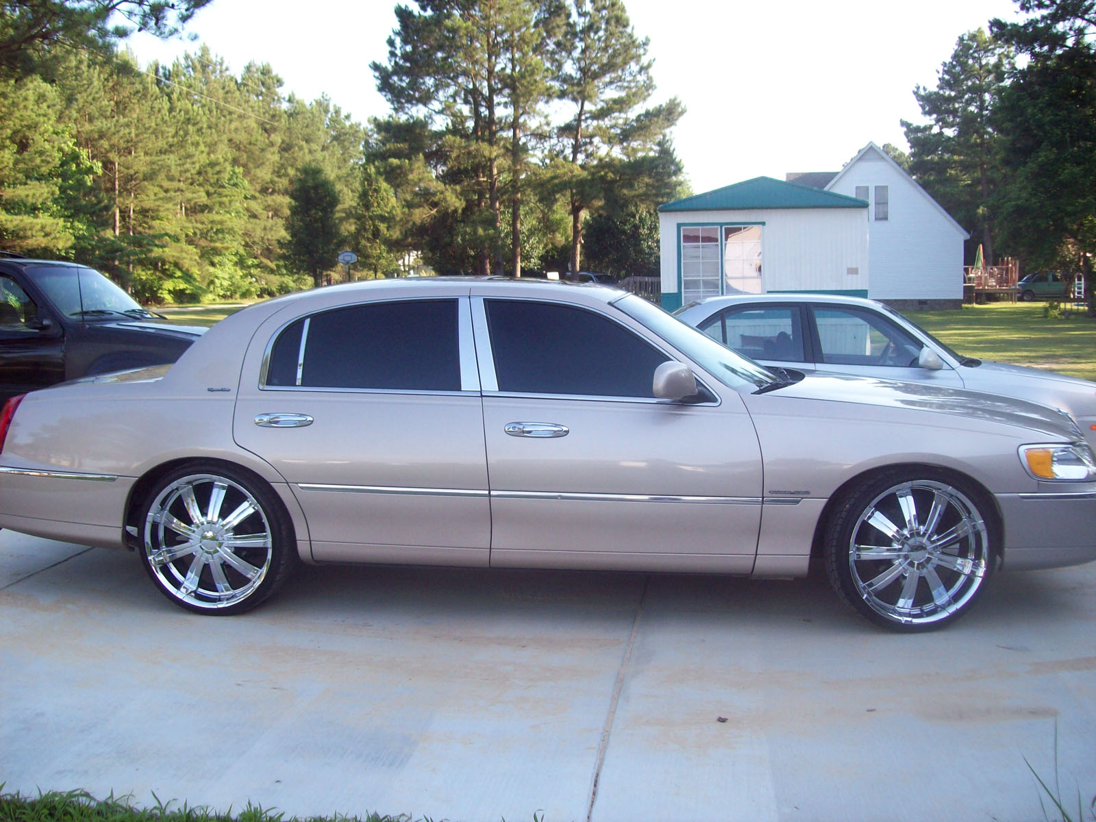 1998 Lincoln Town Car signature series For Sale | Maxton North ...